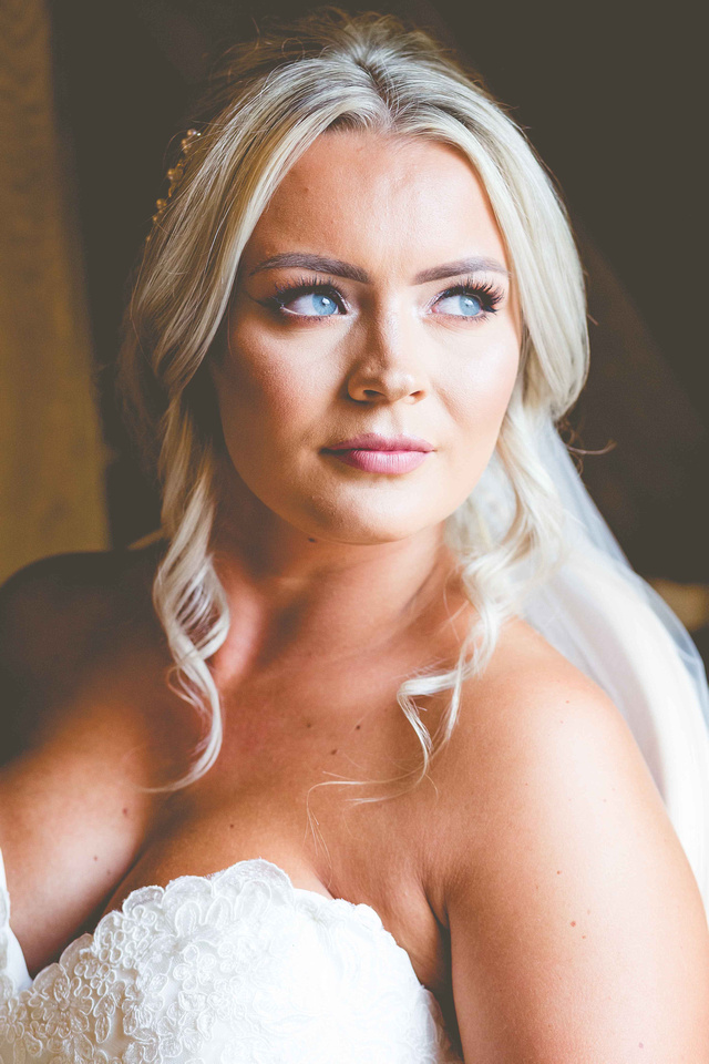Lauren and Reece at The old Kent Barn, Kent Wedding, Kent wedding photography, Kent wedding photographer